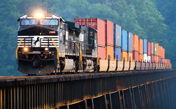 Web_intermodal_stack_train