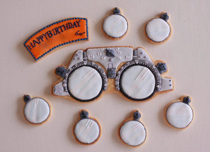 メガネのアイシングクッキー
