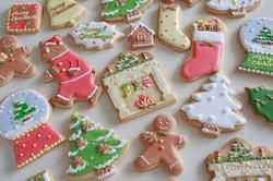 クリスマスのオーナメントアイシングクッキー