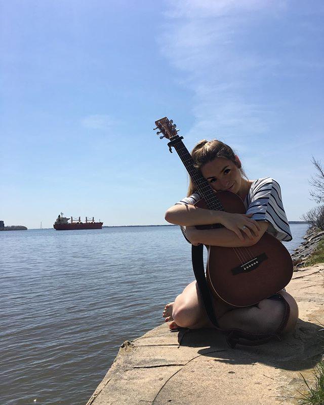 De l'eau, du soleil, ma guitare