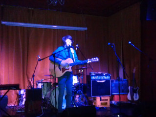 Opening for Pete Williams at Gullivers