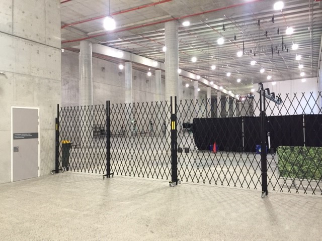 Security Barriers for exhibition halls.j