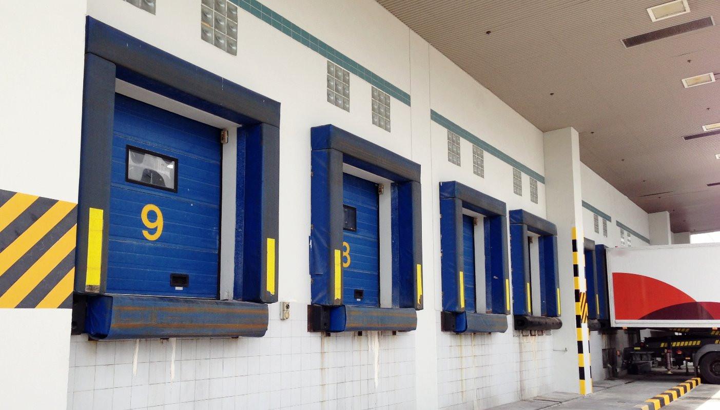 Overhead Sectional Doors_03.jpg