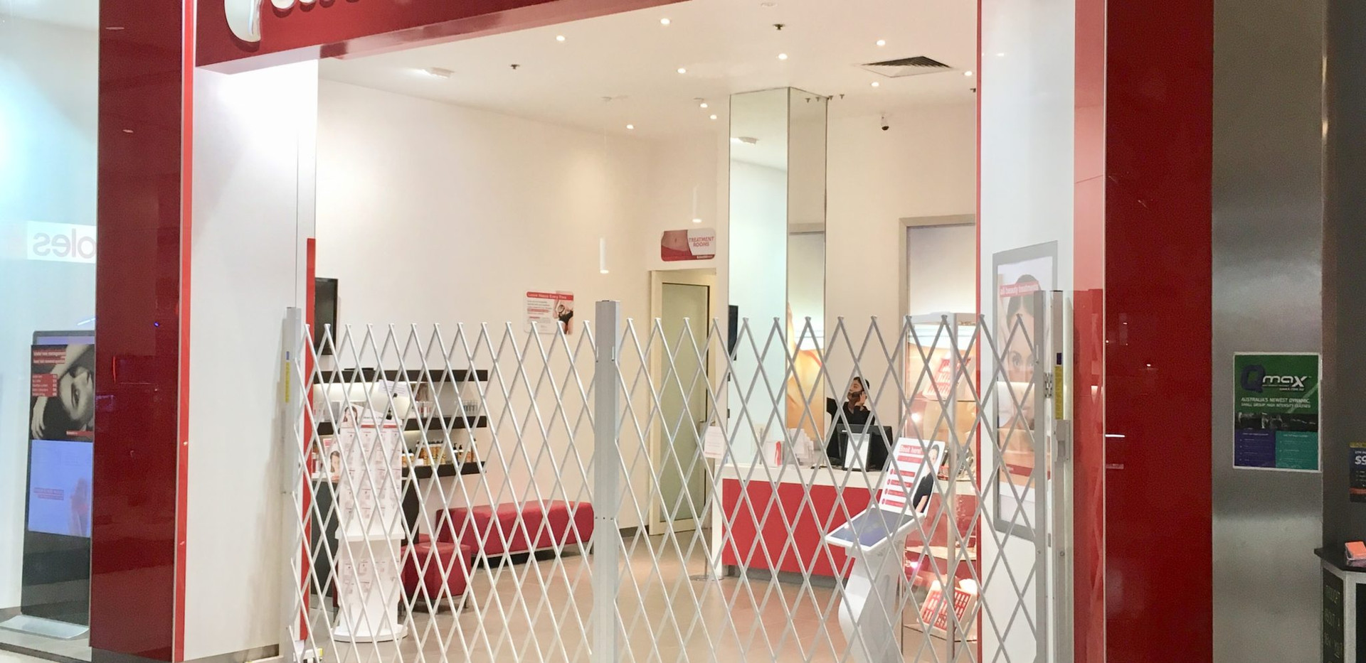 Security Barrier for Beauty Retail Store