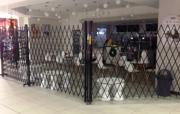 Security Barriers for cafes in shopping
