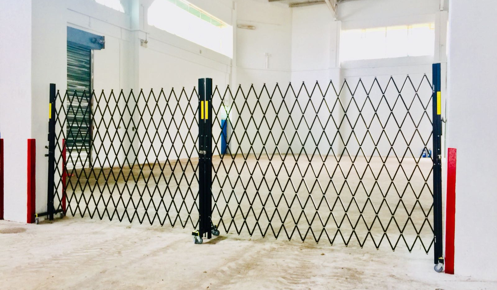Security Barriers for warehouse barricad