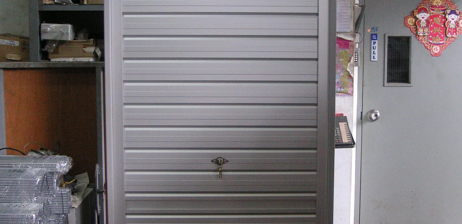 Mini Roller Shutter for cabinets.JPG