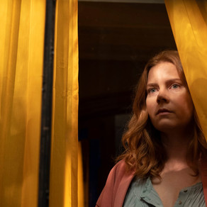 "Homecine: The Woman in the Window (2021), crítica do lançamento ""A Mulher na Janela""."