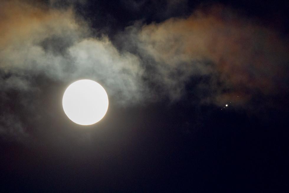 Moon, Jupiter and Galilean Moons.jpg