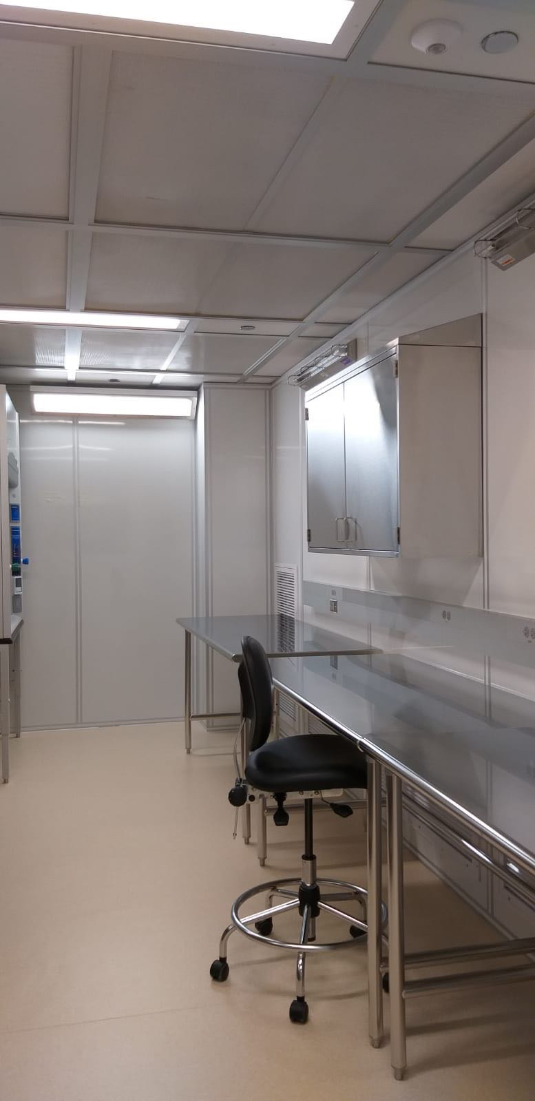 A glimpse of our new aDNA lab
