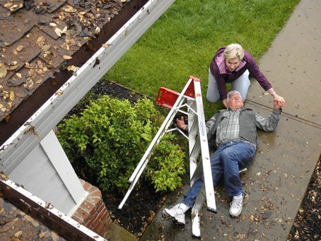 Watch out! The two Most Common Hazards involved in Cleaning Gutters
