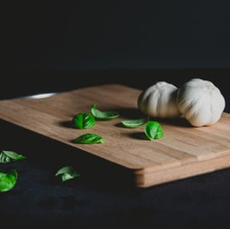 How to clean your chopping board