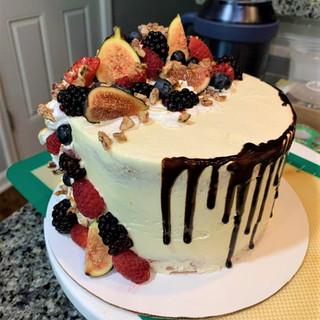 Figs & Berries Cake