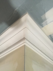 Simple and Clean Plaster Cornice