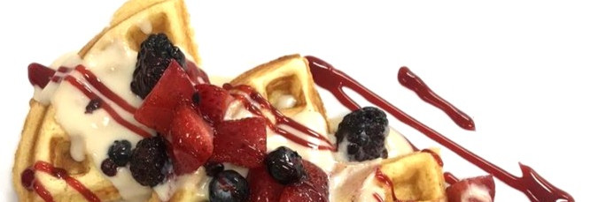 Custard Fresh Fruit Waffle