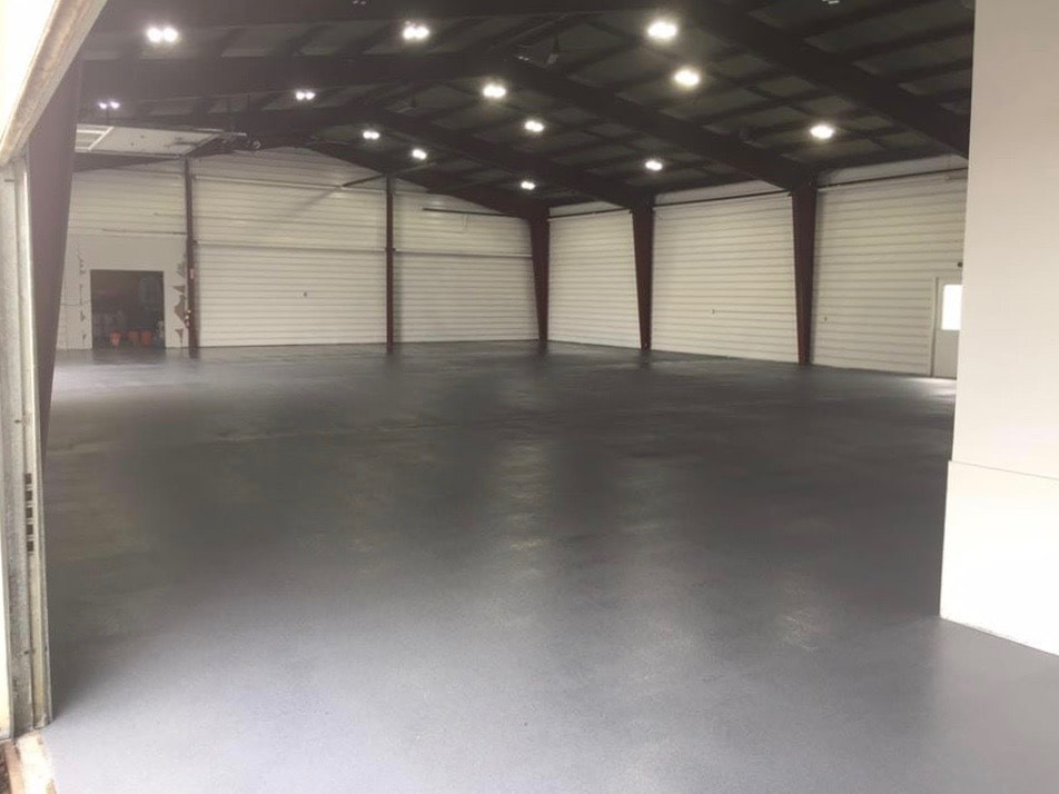 5200-sf-warehouse-quartz-by-Gimondo-Epox