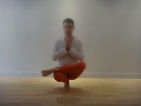 Posture yoga Poitiers