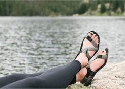 sandal%20feet_edited.jpg