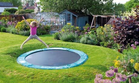 Gardens-sunken-trampoline-008.jpg