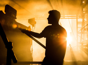 Backstage on fire by Floris Heuer
