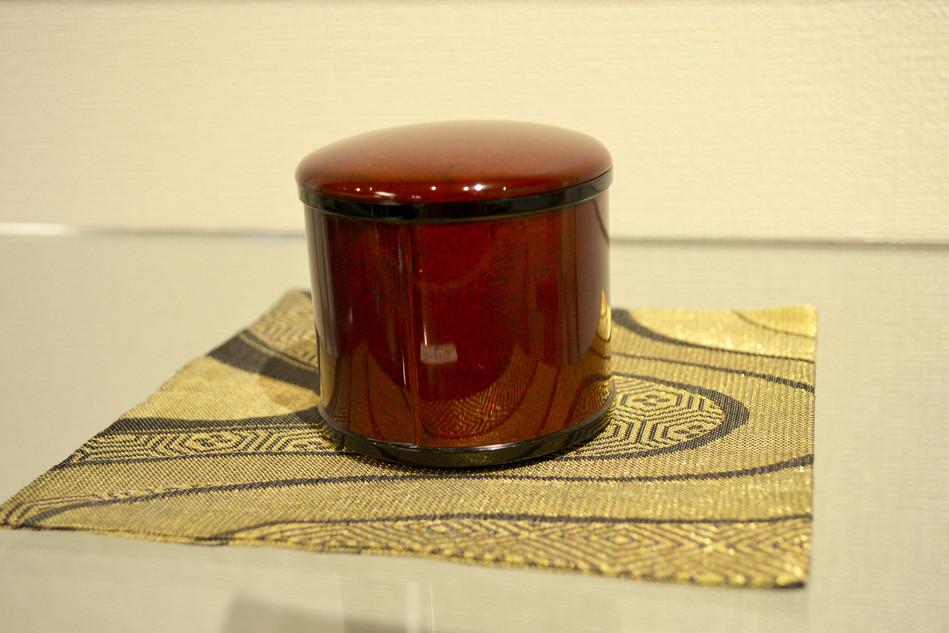 和紙地溜塗茶器