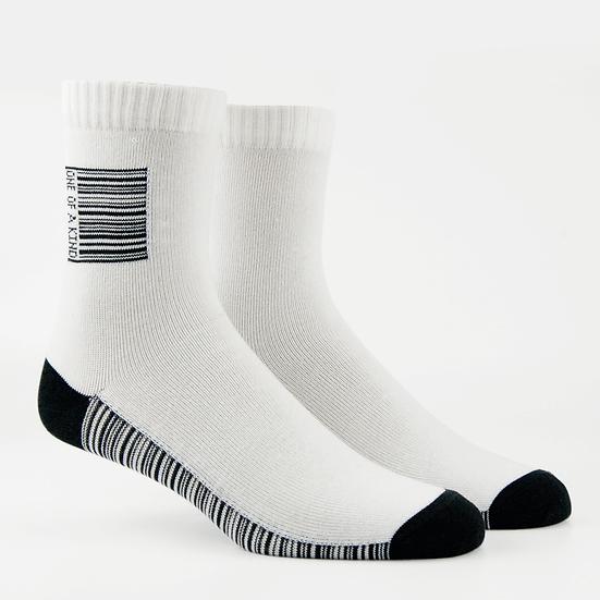 ถุงเท้าสตรีทแฟชั่น Barcode