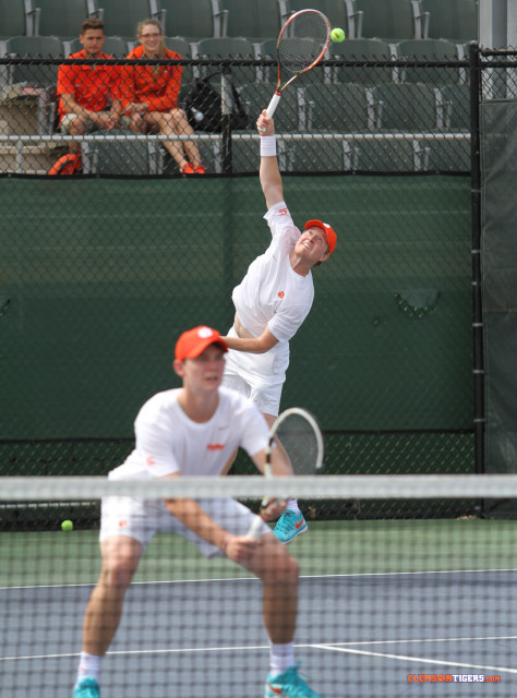 luke doubles serve