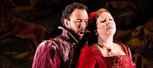 Tenor Luciano sings Percy in Julie Unwin (Anna Bolena)