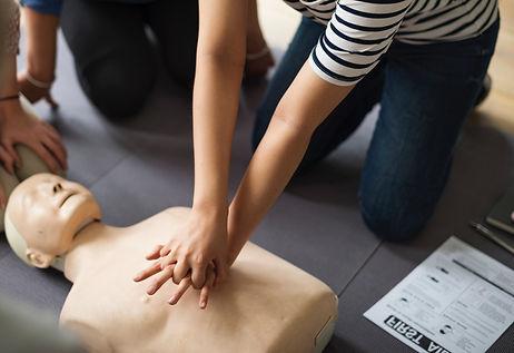 aid-assistance-cardiac-arrest-1282317_ed