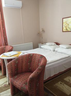 D 2 beds.jpg