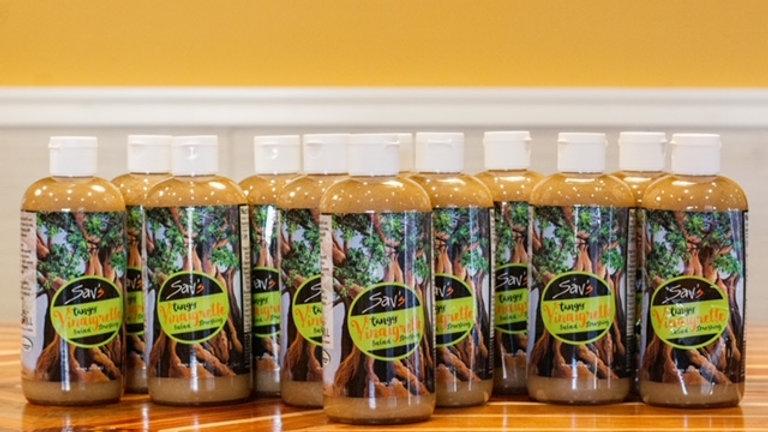 Sav's Tangy Vinaigrette Salad Dressing (16 oz. bottle), 1 case (12-count)