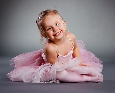 Small-ballerina-000011994797_edit.jpg