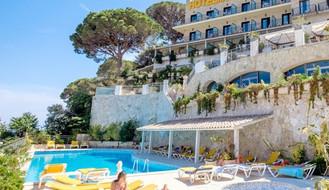 Hotel-Montjoi-600x345.jpg