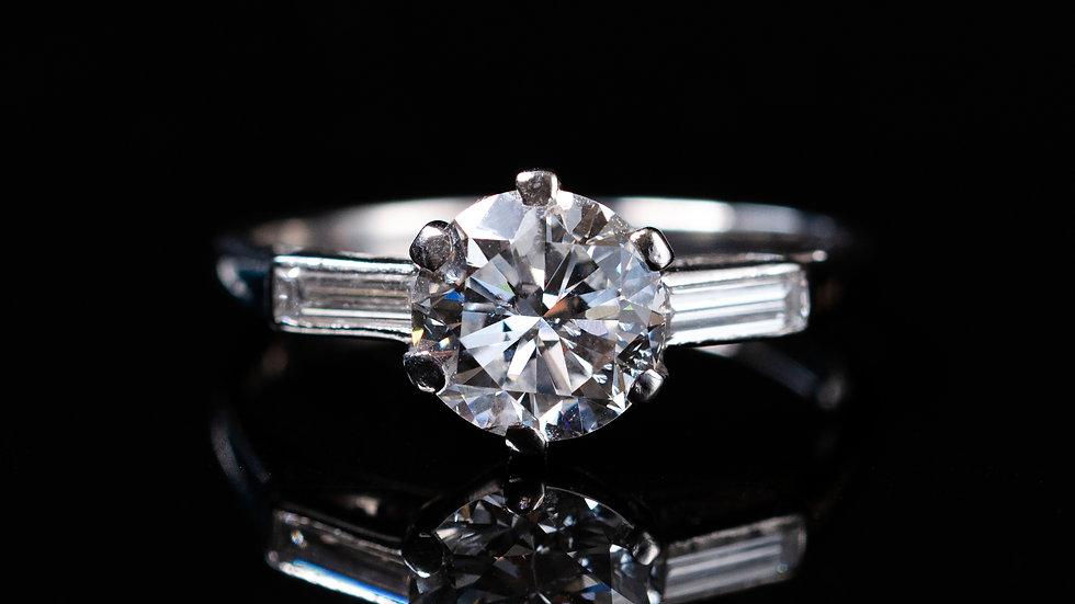 1.5ct Centre Diamond with Baguette Diamond Shoulders Vintage 1940 Platinum Ring