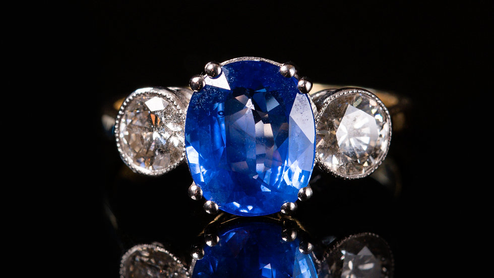 18ct White Gold 2.80ct Sapphire & Diamond Ring