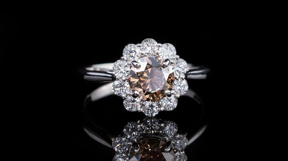 18ct White Gold Brown  Diamond & White Diamond Cluster centre diamond ring