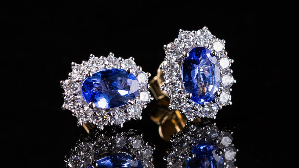 Classic tanzanite cluster earrings set in 18ct Gold
