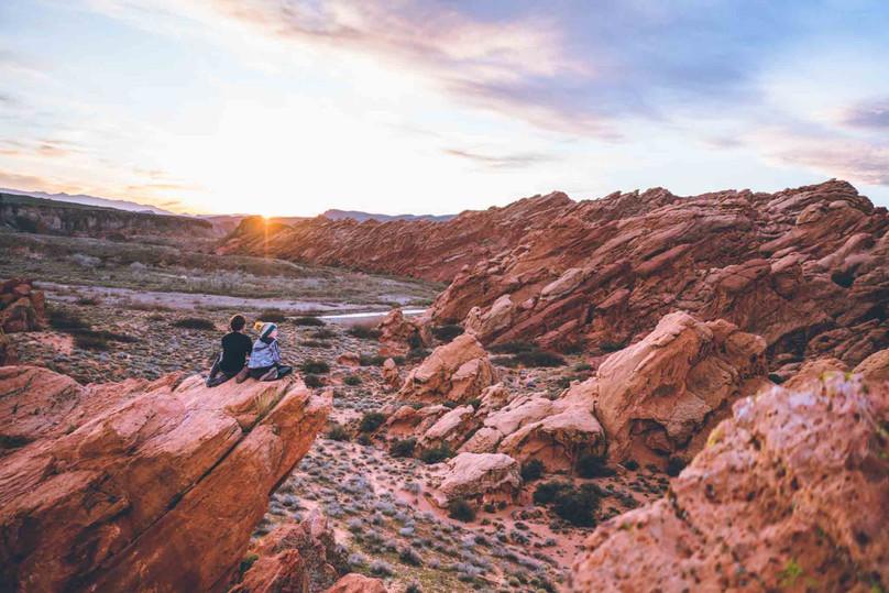 Hiking Babylon Arch - Red Cliffs Reserve