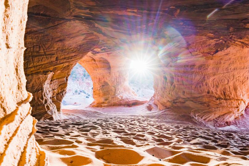 Exploring Moqui Caverns, Kanab, UT