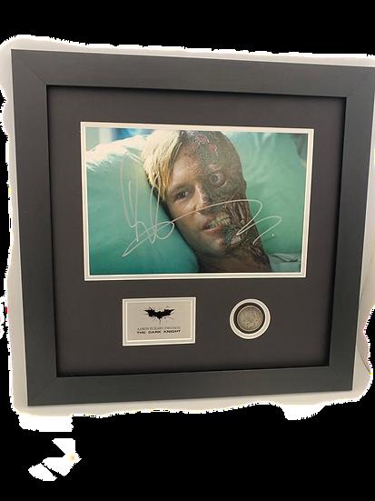 Two Face (Batman) Aaron Eckhart Original Signature