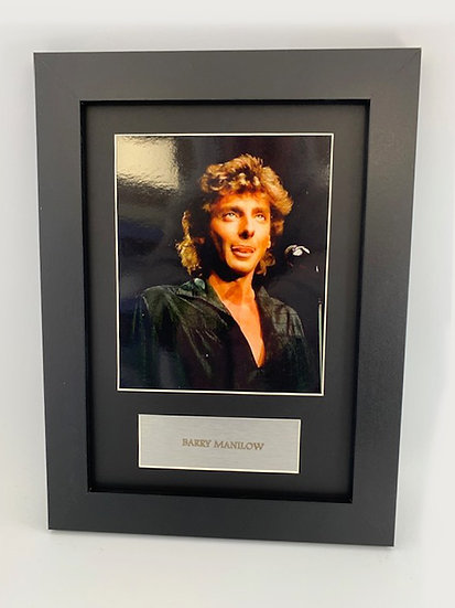Barry Manilow Framed A4 Print
