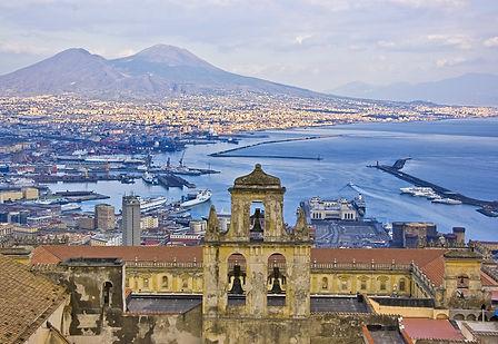 Napoli with Vesuvio in background