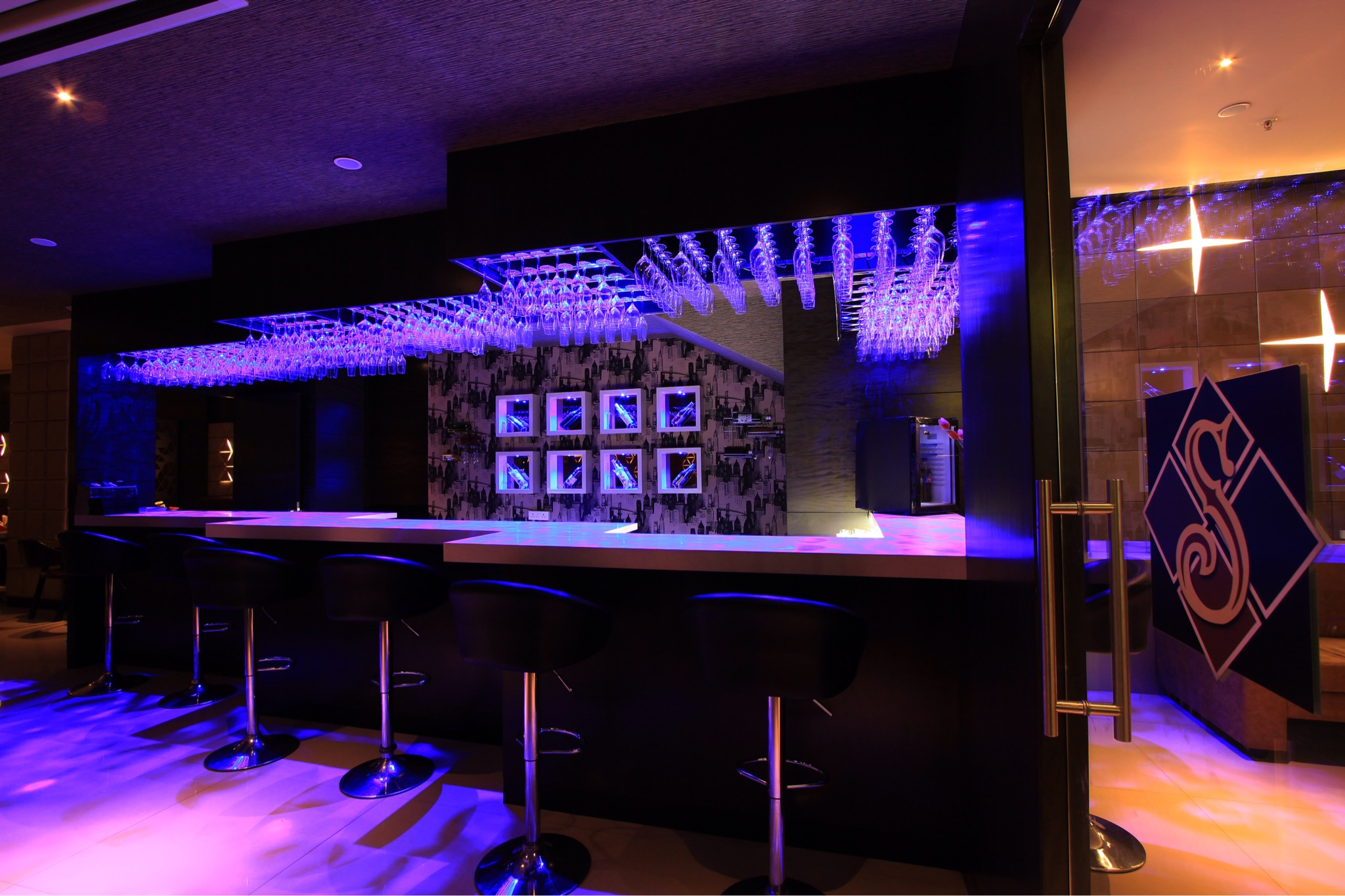 Mocktail bar and Lounge