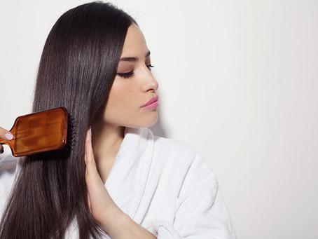 ¿Cuál cepillo debes usar según tu tipo de pelo?
