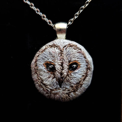 Barn Owl - Embroidery Necklace
