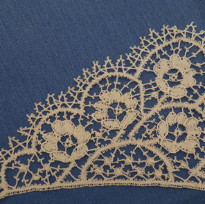 A bedfordshire lace collar edge.