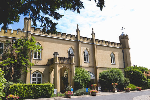 Missenden Abbey entrance.jpg