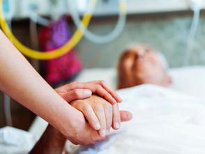 Col rischio contagio cala il sostegno agli anziani