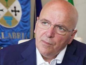 Sileri (M5S): Oliverio si dimetta, la politica sia lontana dal Ssn