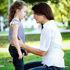Επικοινωνία: Αναζητείστε εναλλακτικές λύσεις.  Εκφράστε στα παιδιά τις σκέψεις και τα συναισθήματά σ